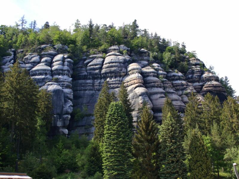 Berg oybin im zittauer gebirge bei oybin